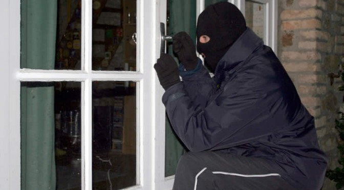 Surviving a Home Invasion: Do's & Don'ts